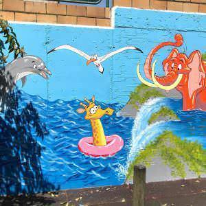 Graffiti infantil - Mural en colegio Cluny (Vigo)