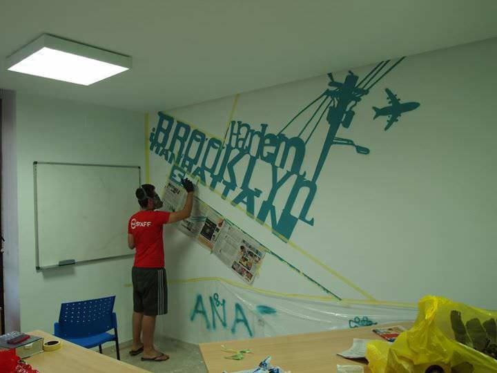 Graffiti en Academia de idiomas temática barrios de Nueva York