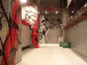 Graffiti comercial en Zaragoza - Decoración de interior de pub