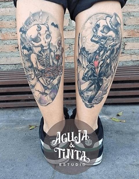 tattoo de esqueletos en las piernas