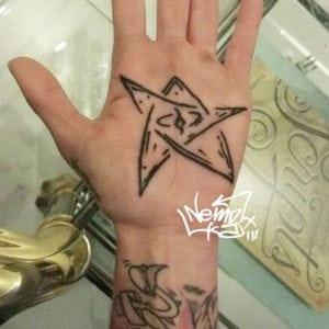 Tatuajes de Estrellas - Tatuaje de estrella en la palma de la mano