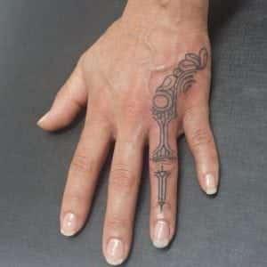 Tatuajes en los dedos - Tatuaje en el dedo