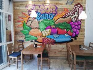 Graffiti y Rotulación en restaurantes - Graffiti sobre madera.