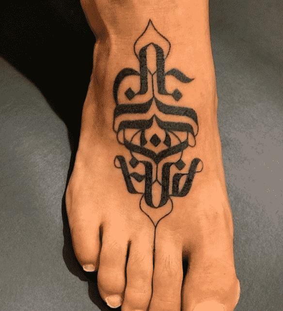 Tatuaje en el empeine