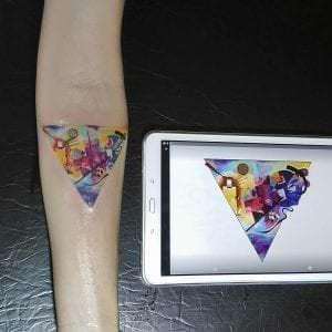 Estudios de tatuajes en Madrid - Tatuaje Color: Azul de Kandinsky
