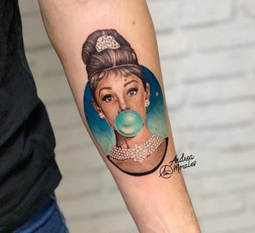 Tatuaje Microrealismo Audrey Hepburn  de 12cm