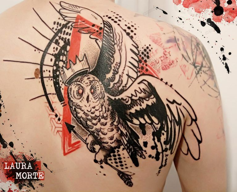Tattoo de lechuza estilo Trash Polka