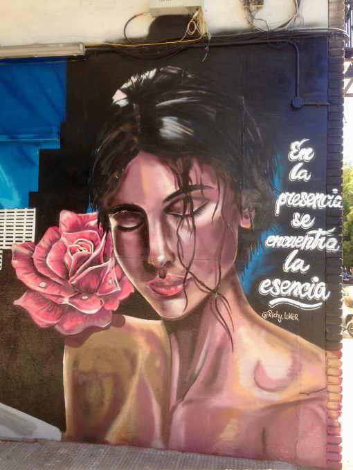 Mural: En la presencia se encuentra la esencia