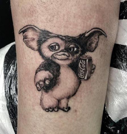 Tatuaje Microrealismo Gremmlins