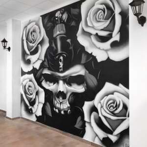 Graffiti profesional - Mural realista: Skull & Roses