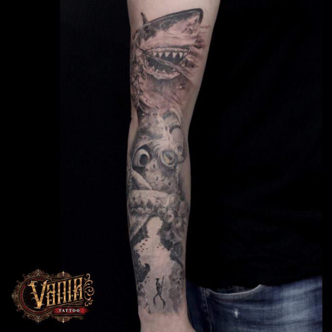 Tatuaje brazo entero: Fondo marino (Tiburón, buzo y pulpo)