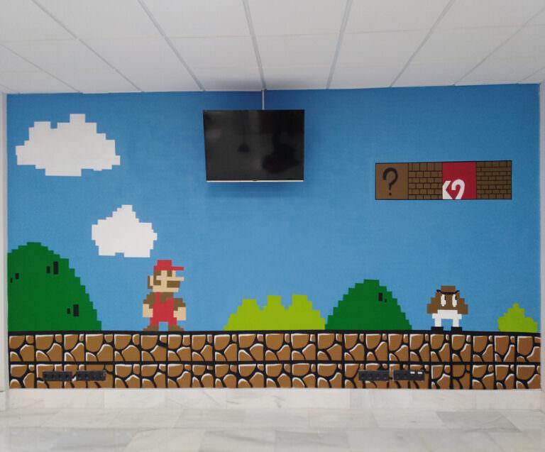 Decoración con mural de Mario Bros