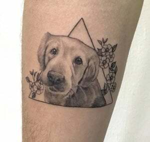 Tattoos femeninos - Tatuaje microrealismo perro: Golden retriever