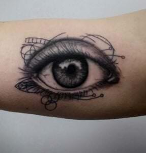 Estudios de Tatuajes en Burgos - Tatuaje ojo