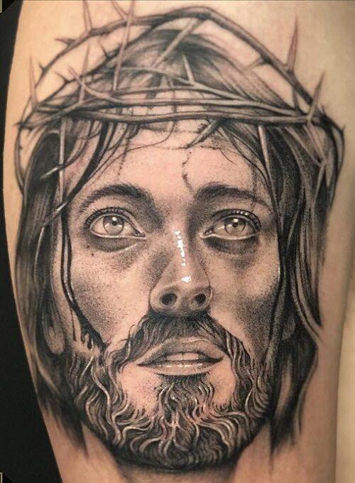 Tatuaje realista Jesús