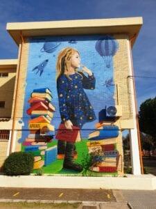 Graffiti comercial en Almeria - La niña soñadora