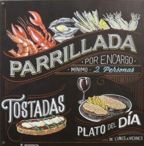 Graffiti comercial en Huesca - Rotulación: Pizarras Bar Ágora (Huesca)
