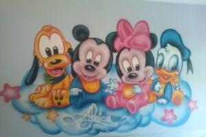 Grafiteros a domicilio - Habitación pintada con mural decorativo infantil