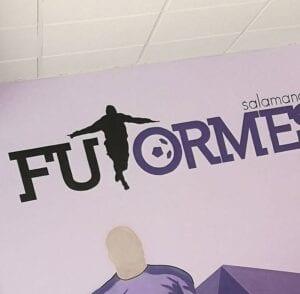 Graffiti comercial en Salamanca - Rotulación a mano