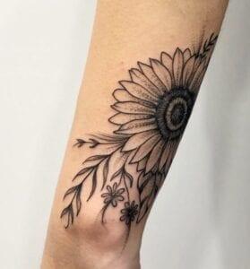 Tatuajes - Tatuaje girasol en el brazo
