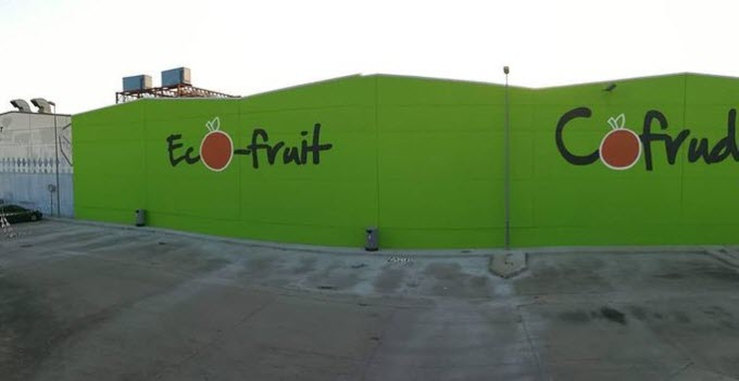 Fabrica con graffiti