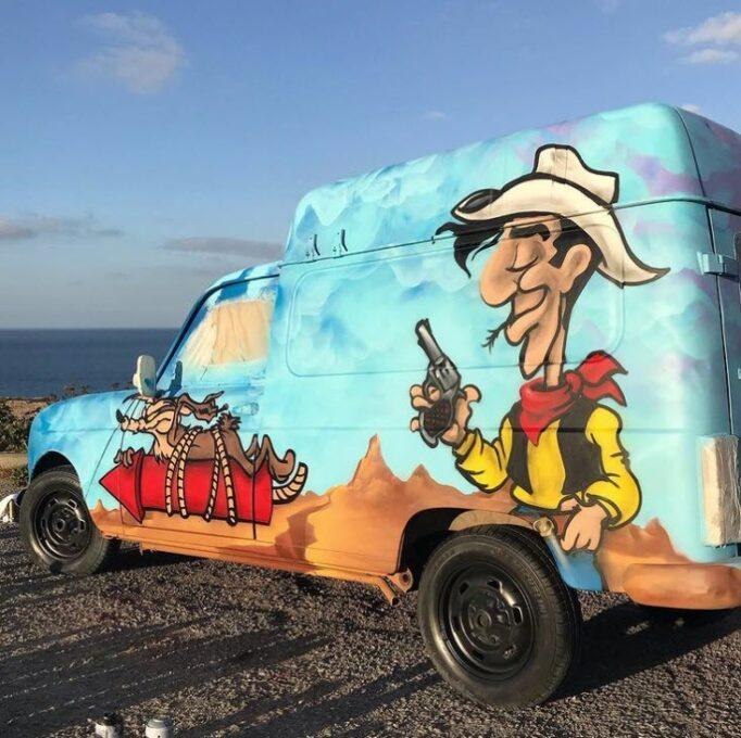 Decoración en furgoneta con dibujo de Lucky Luck