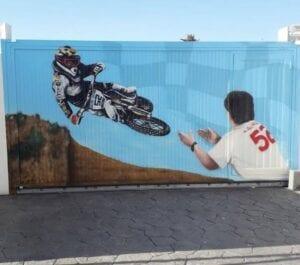 Graffiti comercial en Sevilla - Graffiti temática motocross