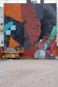 Graffiti profesional - Fachada Torrent, Valencia