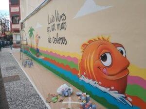Graffitis - Graffiti decorativo en Colegio Luis Vives de Zaragoza
