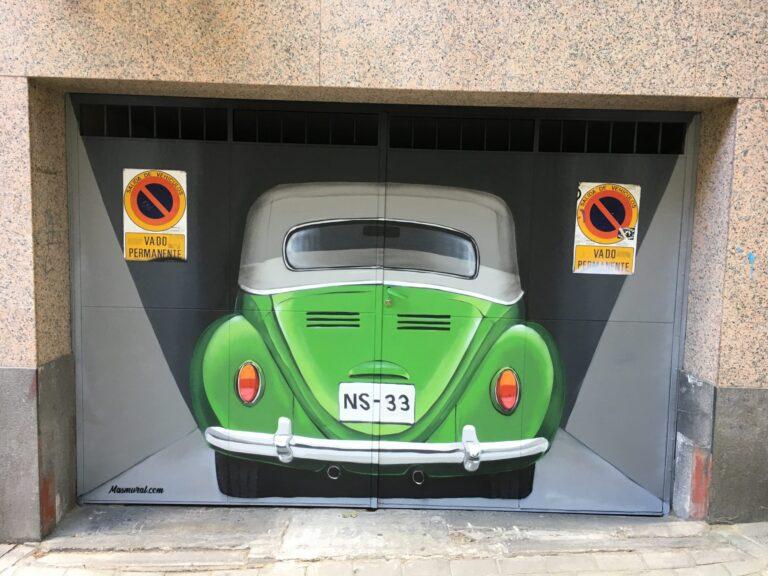 Decoración para garaje privado con mural