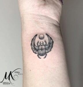 Tatuajes - Tatuaje escarabajo egipcio