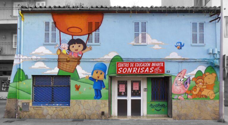 Escoleta sonrisas en calle Aragón de Palma