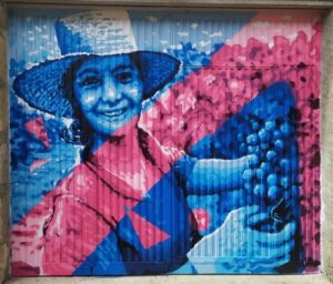 Graffiti comercial en Pamplona - Mural certamen EnPereñArte: La mujer en la Vendimia