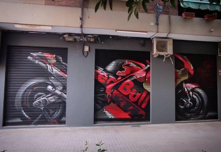 Graffiti en cierre metálico: Motoclub 3F