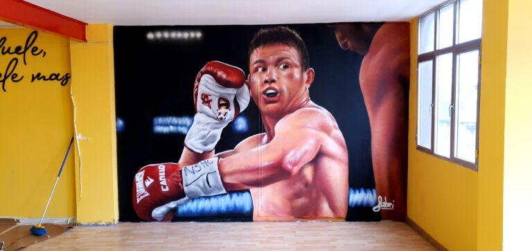 Mural con graffiti temática boxeo