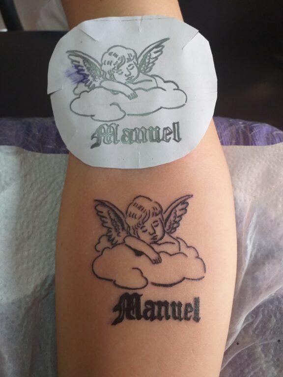 Ángel y nombre lettering personalizado
