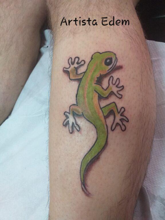 Tatuaje de un Lagarto en el brazo