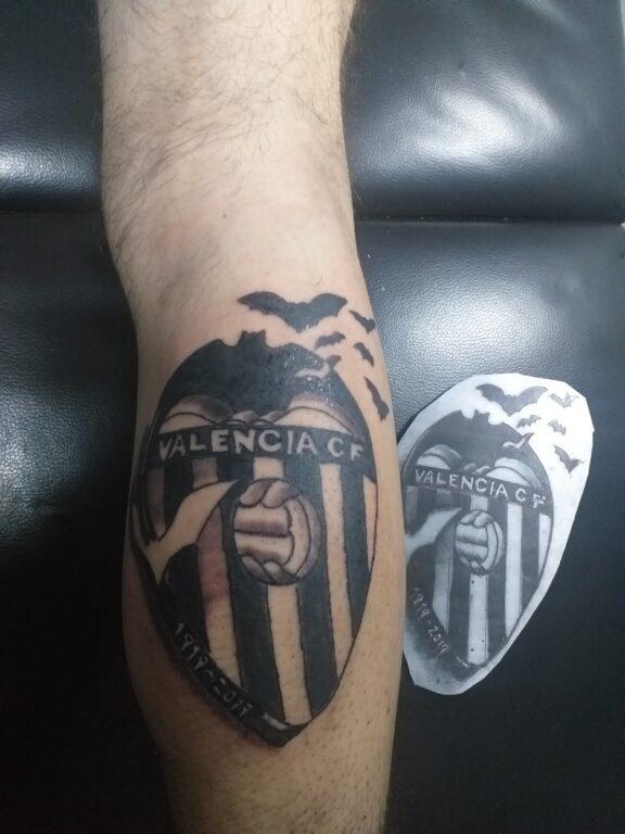 Tatuaje escudo del Valencia