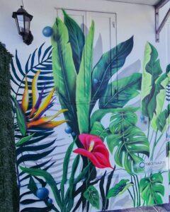 Graffiti comercial en A Coruña (La Coruña) - Mural decorativo de plantas
