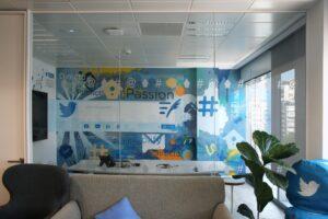 Grafiteros a domicilio - Oficina Twitter Spain